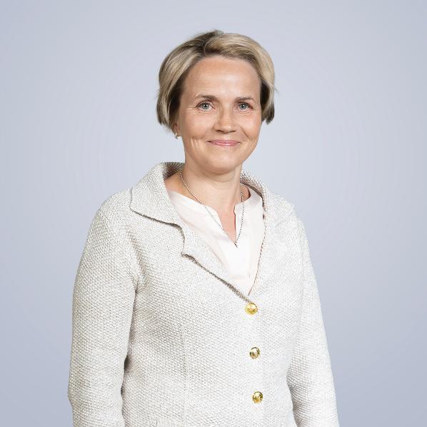 VTM, MBA, asiantuntijalehtori Marjatta Komulainen, Metropolia Ammattikorkeakoulu